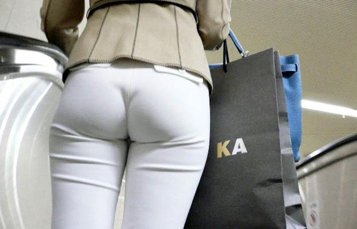 【街撮りフェチ画像】白パン履いた着衣尻は下手なスカートより断然エロいわwww