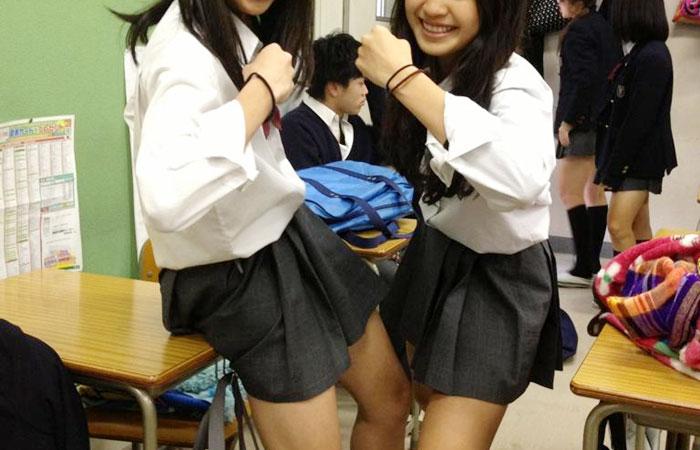 【JK自撮り画像】JKが学校で撮影した写真をツイッターなどにうpしたレア画像