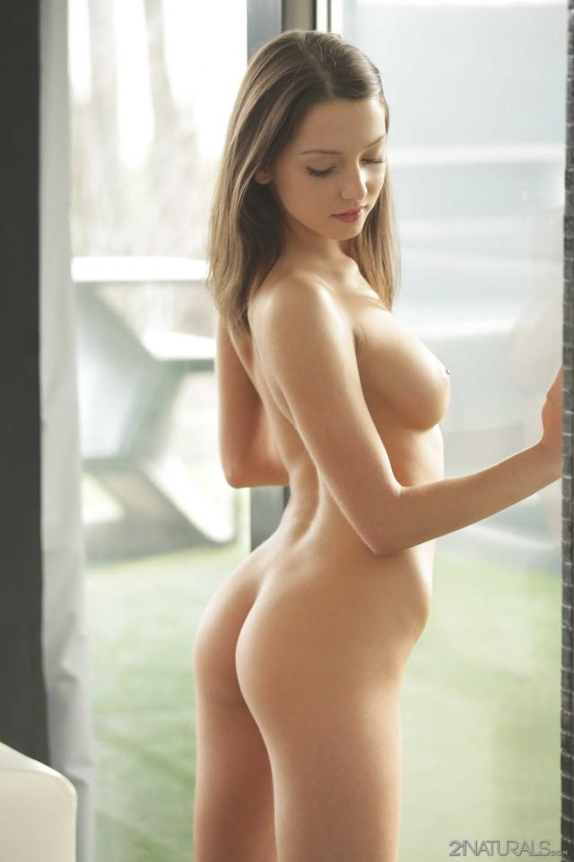 【画像】ロシアの無修正ヌードモデル可愛すぎだろ・・・(30枚) 02