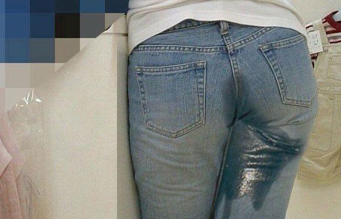 【羞恥画像】やだ!見ないで!服を着たままお漏らししちゃってる女の子たちwww