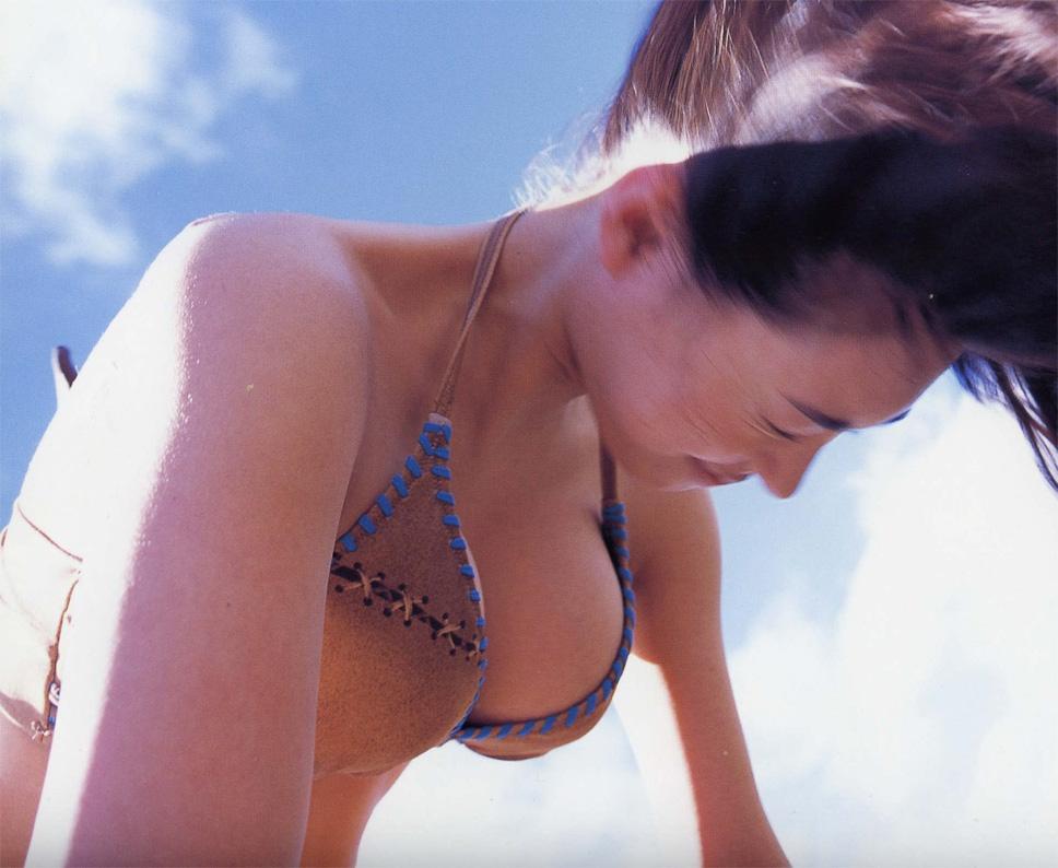 【動画あり】吹石一恵のFカップボディと信じられないくらいに酷い歌 02