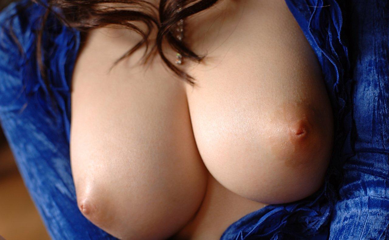 【画像】 誰もが納得できる美乳おっぱいで一発抜いてけ!