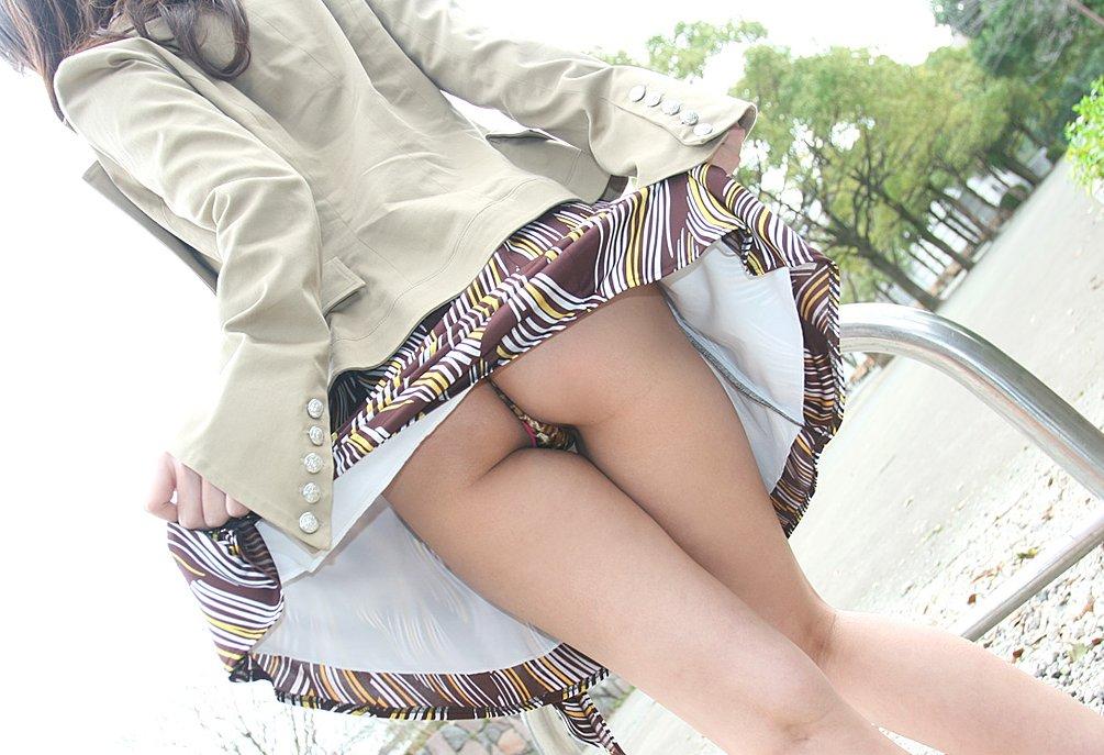 【画像】 女の尻に食い込むTバックのエロさがヤバイwwww