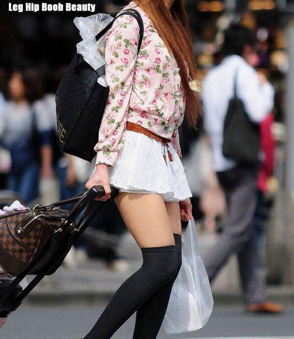 【エロ画像】プリーツスカートとかいうスカートがごっつエロぃw 03
