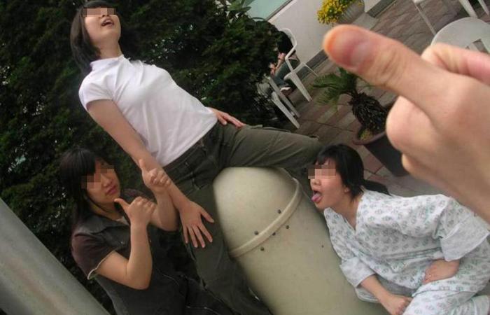 (悪イケイケえろ写真)楽しそうですねー☆しかし傍からは衝撃的な若い小娘たちのえろイケイケ現場wwwwww