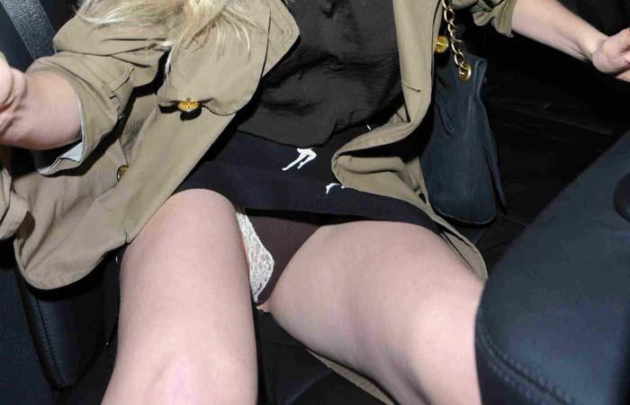 (世界のハプニングえろ写真)ハリウッド女優達のハプニング・パンツ丸見えポ少女集めてみました