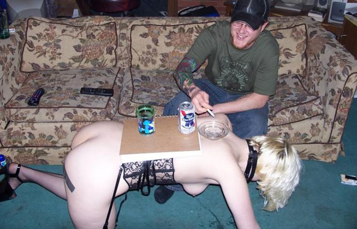 【SMエロ画像】これまた悪趣味な家具を…女体インテリアというトンデモSMプレイwww