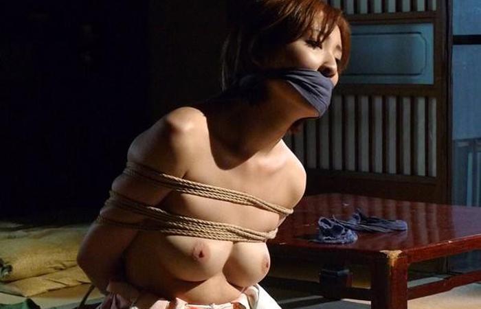 【SMエロ画像】イヤらしくも奥ゆかしい…拘束調教される和服美人たちwww