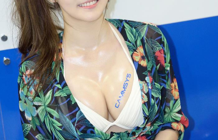 【キャンギャルエロ画像】イベント行くのもこの乳目当てw膨らみ自重しないキャンギャル達www