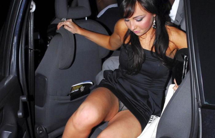 (パンツ丸見ええろ写真)ドアが開いたら注目☆金持ちたちの車降りチラwwwwww