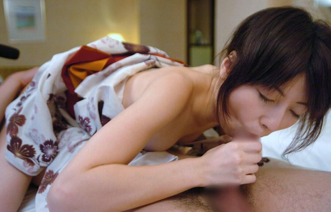 【フェラエロ画像】一心不乱にチン○を舐めまくってくれる女の子っていいよなwww