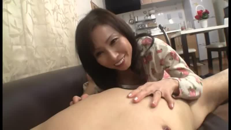 【エロ動画】母の日にカーネーションをプレゼントしたら母親がお礼に…www【松下美香】